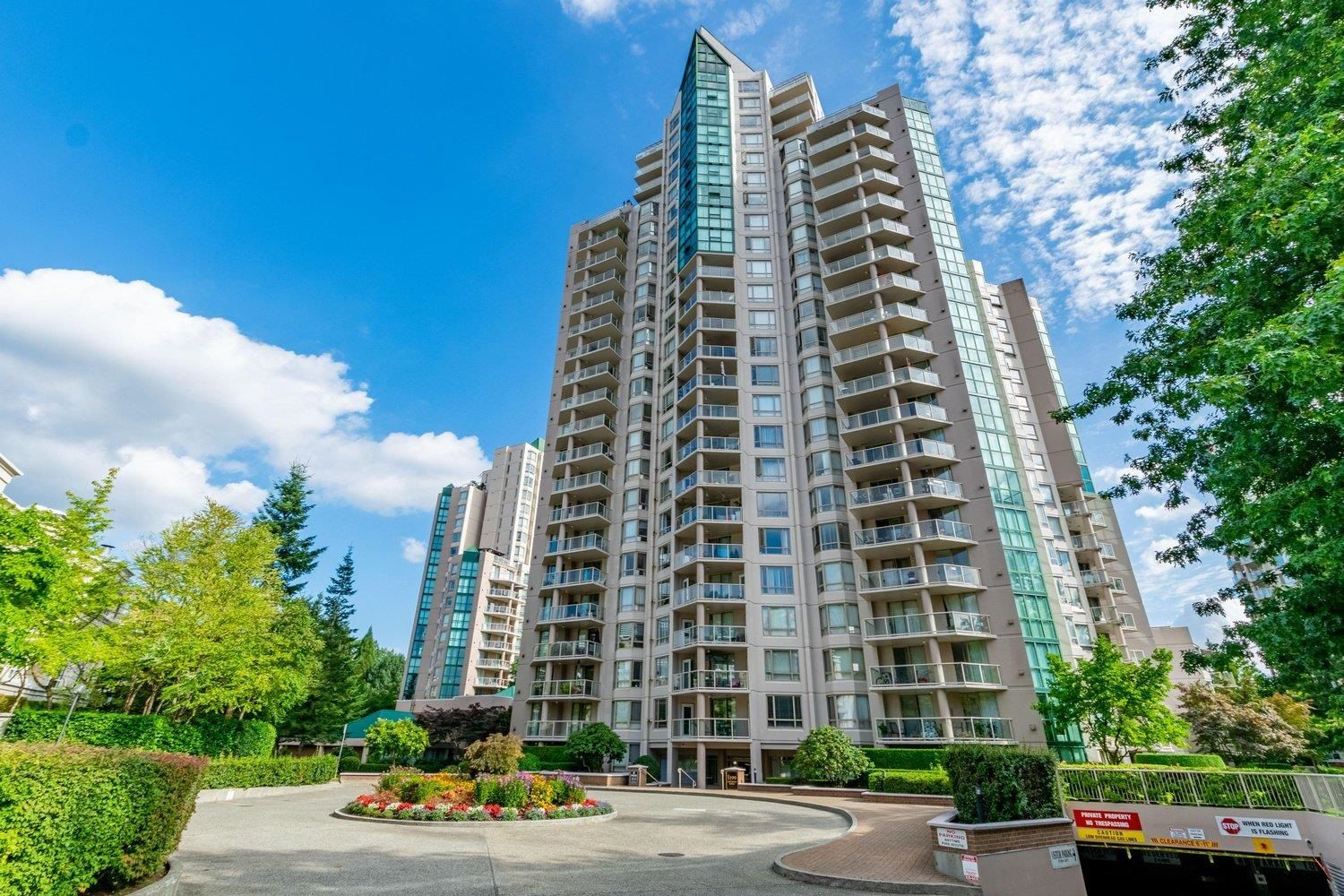 """Main Photo: 1703 1199 EASTWOOD Street in Coquitlam: North Coquitlam Condo for sale in """"The Selkirk"""" : MLS®# R2616911"""