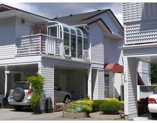 """Photo 1: 37 696 TRUEMAN Road in Gibsons: Gibsons & Area Townhouse for sale in """"MARINA PLACE"""" (Sunshine Coast)  : MLS®# V770986"""