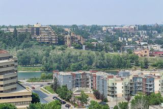 Photo 4: 2312 221 6 Avenue SE in Calgary: Downtown Commercial Core Apartment for sale : MLS®# A1132923