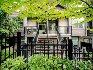 "Photo 2: 207 7333 16TH Avenue in Burnaby: Edmonds BE Townhouse for sale in ""Southgate"" (Burnaby East)  : MLS®# R2485913"