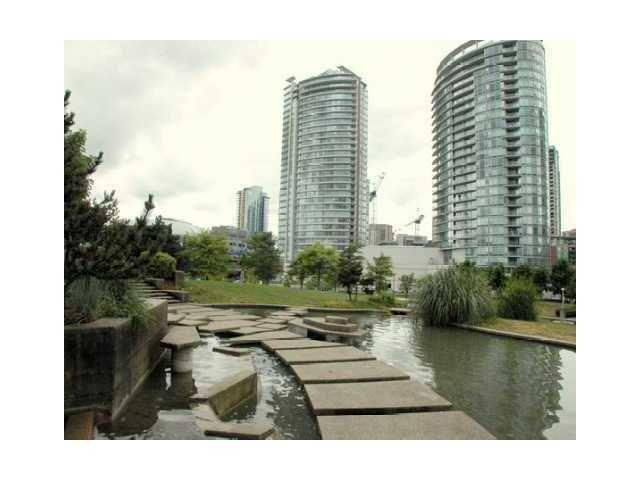 Main Photo: 506 688 ABBOTT Street in FIRENZE II: Downtown Home for sale ()  : MLS®# V835076