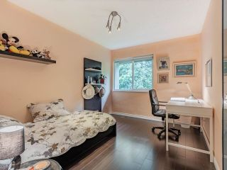 """Photo 10: 9502 WILLOWLEAF Place in Burnaby: Forest Hills BN Townhouse for sale in """"Willowleaf"""" (Burnaby North)  : MLS®# R2588078"""