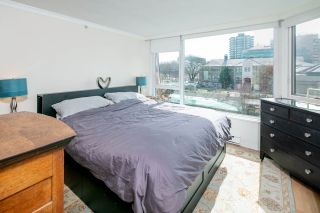 """Photo 14: 611 500 W 10TH Avenue in Vancouver: Fairview VW Condo for sale in """"Cambridge Court"""" (Vancouver West)  : MLS®# R2381638"""