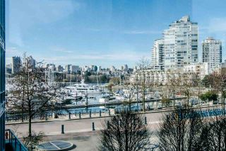 """Main Photo: 306 1067 MARINASIDE Crescent in Vancouver: Yaletown Condo for sale in """"QUAY WEST"""" (Vancouver West)  : MLS®# R2353564"""