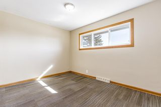 Photo 15: 5615 Thorndale Place NW in Calgary: Thorncliffe Detached for sale : MLS®# A1091089