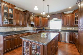 """Photo 10: 19664 71A Avenue in Langley: Willoughby Heights House for sale in """"Willoughby"""" : MLS®# R2559298"""