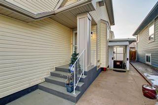 Photo 3: 8418 SADDLERIDGE Drive NE in Calgary: Saddle Ridge Detached for sale : MLS®# C4287136