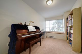"""Photo 12: 1 6588 SOUTHOAKS Crescent in Burnaby: Highgate Townhouse for sale in """"TUDOR GROVE"""" (Burnaby South)  : MLS®# R2343498"""