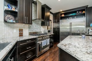 """Photo 10: 21658 92B Avenue in Langley: Walnut Grove House for sale in """"Central Walnut Grove"""" : MLS®# R2495543"""