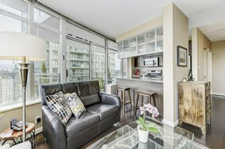"""Photo 5: 2906 892 CARNARVON Street in New Westminster: Downtown NW Condo for sale in """"AZURE II"""" : MLS®# R2361164"""