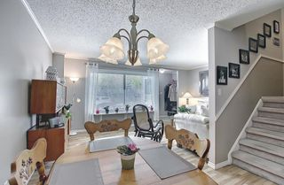 Photo 11: 787 Kingsmere Crescent SW in Calgary: Kingsland Row/Townhouse for sale : MLS®# A1108605