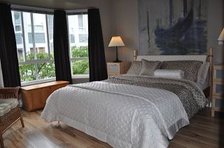 """Photo 4: 106 209 E 6TH Street in North Vancouver: Lower Lonsdale Townhouse for sale in """"Rose Garden Court"""" : MLS®# V909096"""