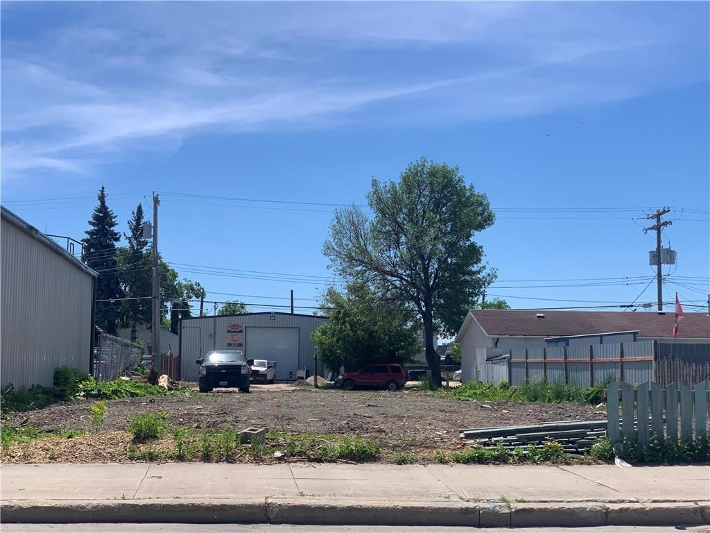 Main Photo: 566 Dufferin Avenue in Winnipeg: North End Residential for sale (4A)  : MLS®# 202115466