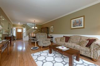 Photo 4: 571 Caselton Pl in : SW Royal Oak Row/Townhouse for sale (Saanich West)  : MLS®# 853628