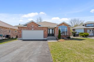 Photo 1: 16 Chelsea Crescent in Belleville: House for sale : MLS®# 40093456