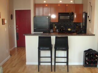 """Photo 6: 2707 928 RICHARDS Street in Vancouver: Yaletown Condo for sale in """"THE SAVOY"""" (Vancouver West)  : MLS®# R2199716"""
