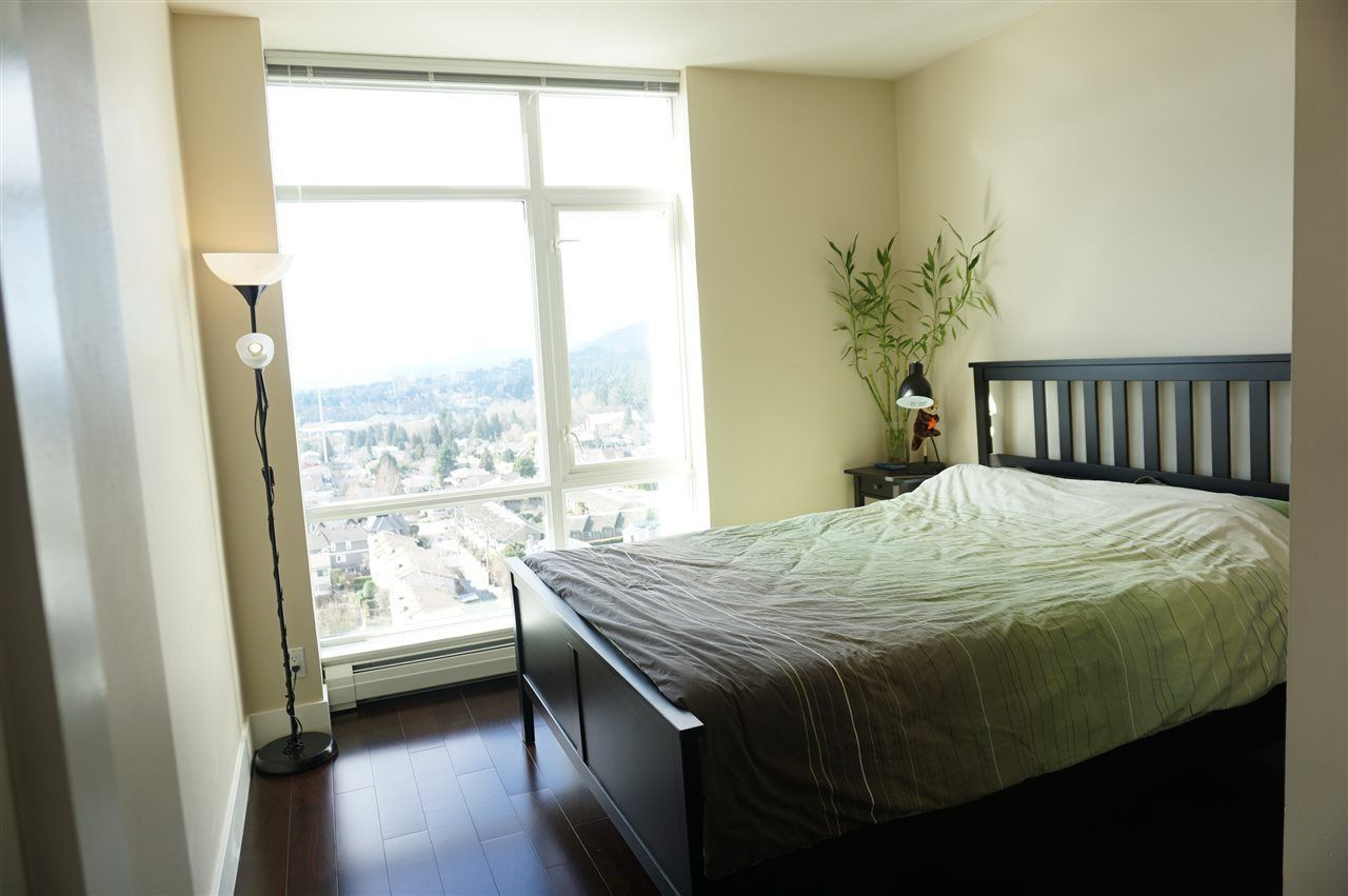 """Photo 4: Photos: 1404 1320 CHESTERFIELD Avenue in North Vancouver: Central Lonsdale Condo for sale in """"VISTA PLACE"""" : MLS®# R2227816"""