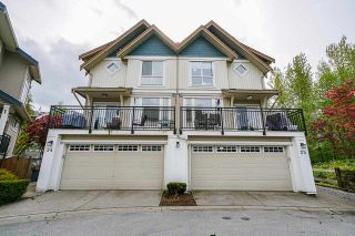 "Photo 1: 25 20120 68 Avenue in Langley: Willoughby Heights Townhouse for sale in ""The Oaks"" : MLS®# R2573725"