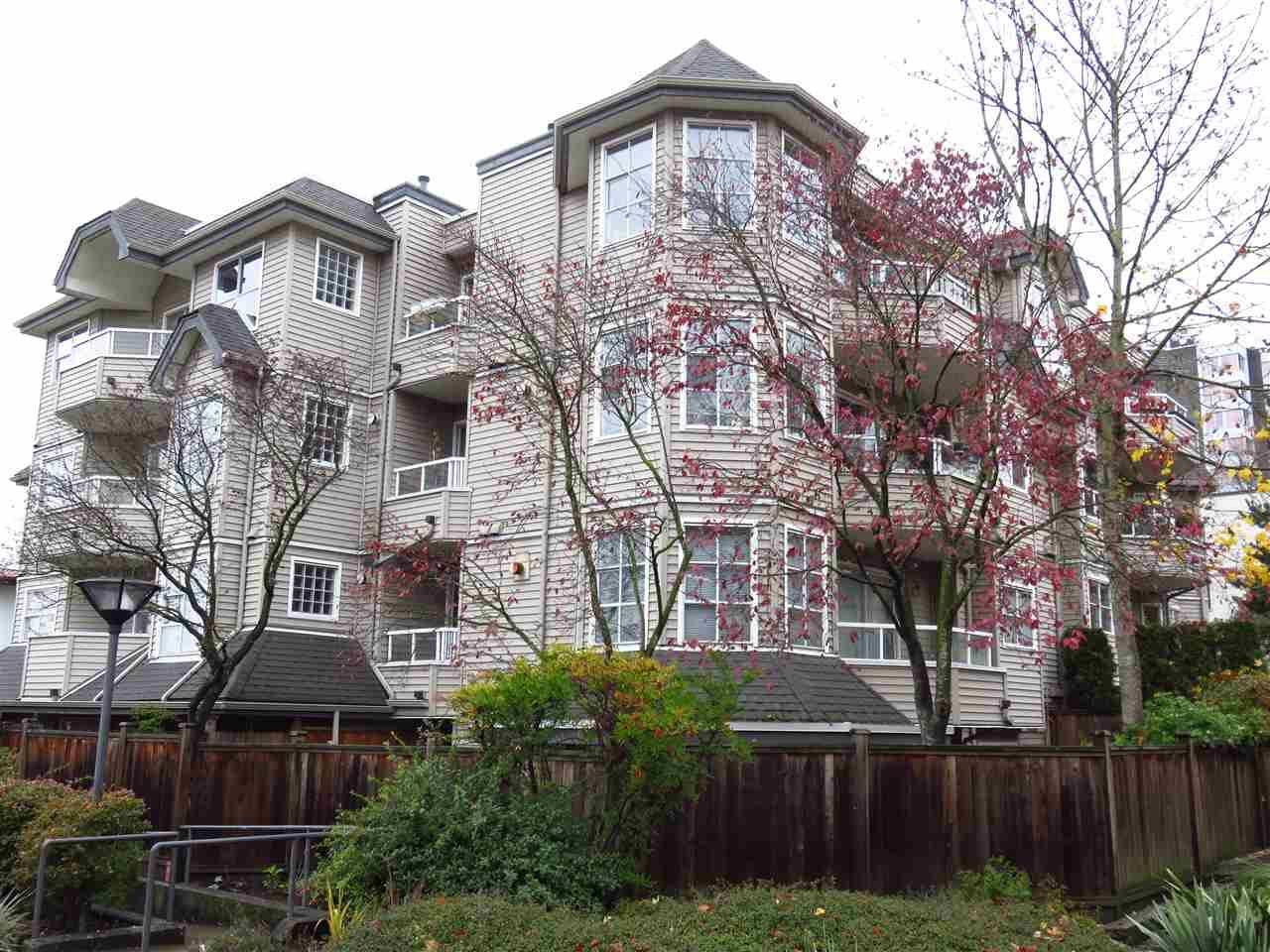 """Main Photo: 204 1481 E 4TH Avenue in Vancouver: Grandview VE Condo for sale in """"Scenic Villa"""" (Vancouver East)  : MLS®# R2015438"""