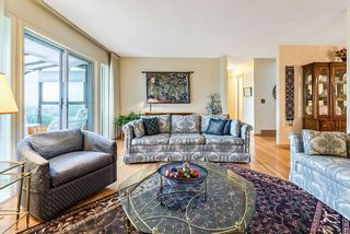 Photo 7: 20 140 STRATHAVEN Circle SW in Calgary: Strathcona Park Semi Detached for sale : MLS®# C4306034