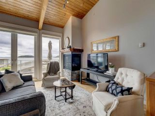 """Photo 17: 6498 WILDFLOWER Place in Sechelt: Sechelt District Townhouse for sale in """"Wakefield Beach - Second Wave"""" (Sunshine Coast)  : MLS®# R2589812"""