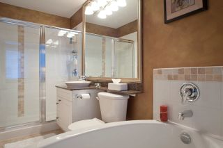 Photo 11: 219 4600 Westwater Drive in Coppersky East: Home for sale