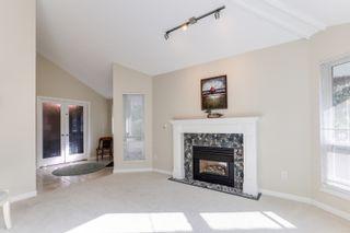 "Photo 4: 5399 BRIGANTINE Road in Delta: Neilsen Grove House for sale in ""MARINA GARDENS"" (Ladner)  : MLS®# R2401253"