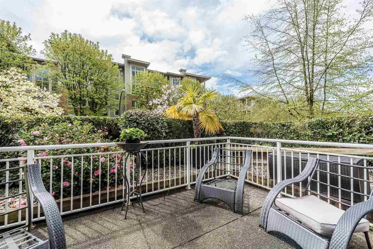 """Photo 14: Photos: 101 130 W 22 Street in North Vancouver: Central Lonsdale Condo for sale in """"THE EMERALD"""" : MLS®# R2159416"""