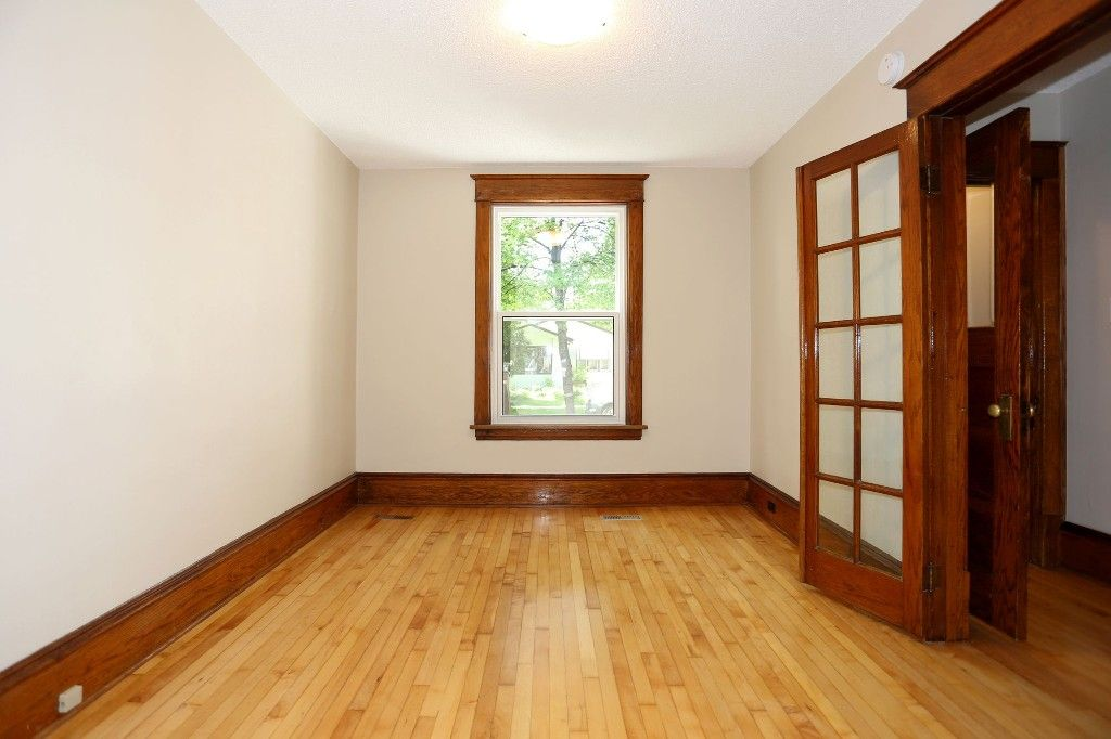 Photo 12: Photos: 233 Lipton Street in Winnipeg: Wolseley Duplex for sale (5B)  : MLS®# 1715525