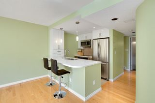 """Photo 8: 401 1406 HARWOOD Street in Vancouver: West End VW Condo for sale in """"JULIA COURT"""" (Vancouver West)  : MLS®# R2568055"""