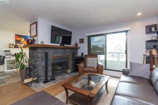Photo 3: 205 949 Cloverdale Ave in VICTORIA: SE Quadra Condo for sale (Saanich East)  : MLS®# 820581