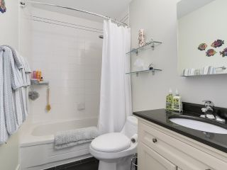 Photo 3: A3 240 W 16th Street in North Vancouver: Central Lonsdale Townhouse  : MLS®# R2178079