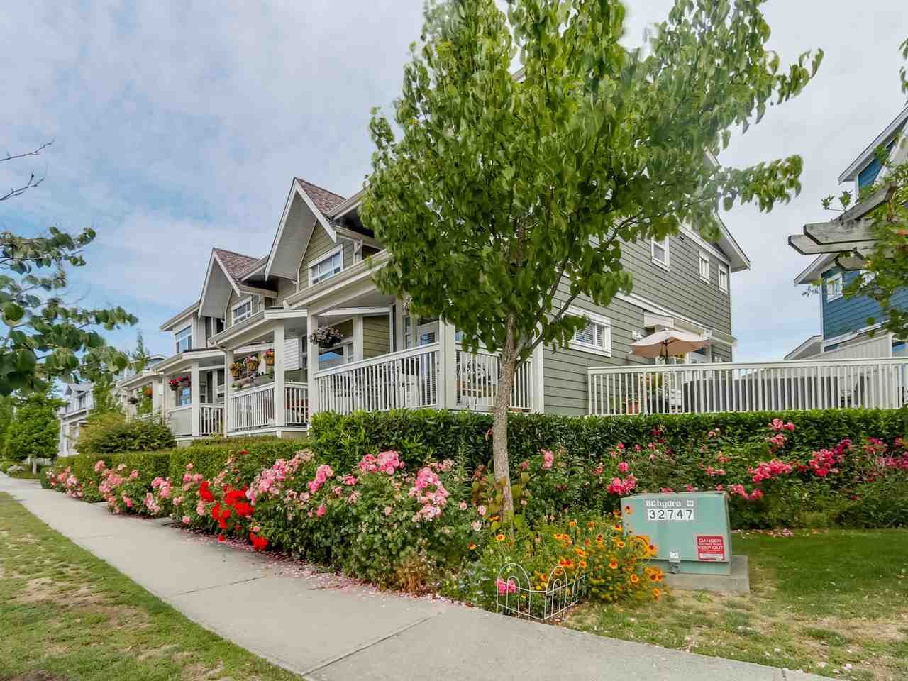 """Main Photo: 4 4311 BAYVIEW Street in Richmond: Steveston South Townhouse for sale in """"4311 BAYVIEW"""" : MLS®# R2083363"""