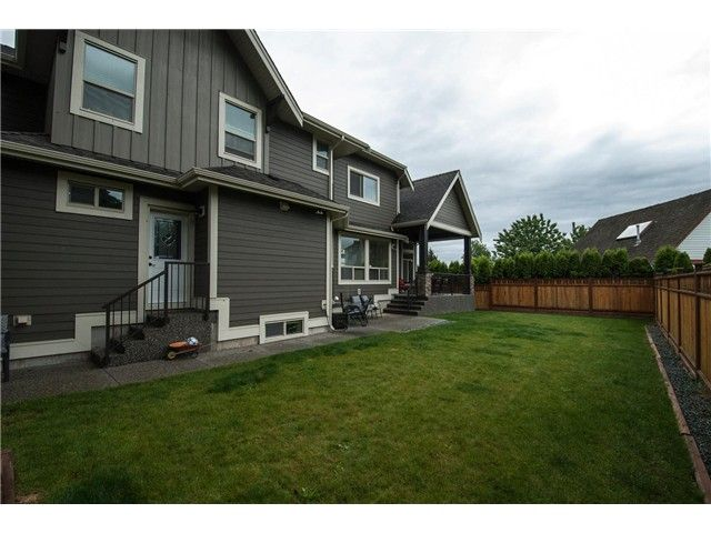 """Photo 19: Photos: 16418 11A Avenue in Surrey: King George Corridor House for sale in """"SOUTH MERIDIAN"""" (South Surrey White Rock)  : MLS®# F1312096"""