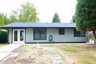 Photo 3: 5778 EBBTIDE Street in Sechelt: Sechelt District House for sale (Sunshine Coast)  : MLS®# R2396362
