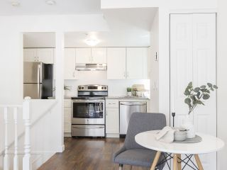 """Photo 9: 735 W 7TH Avenue in Vancouver: Fairview VW Townhouse for sale in """"The Fountains"""" (Vancouver West)  : MLS®# R2544086"""