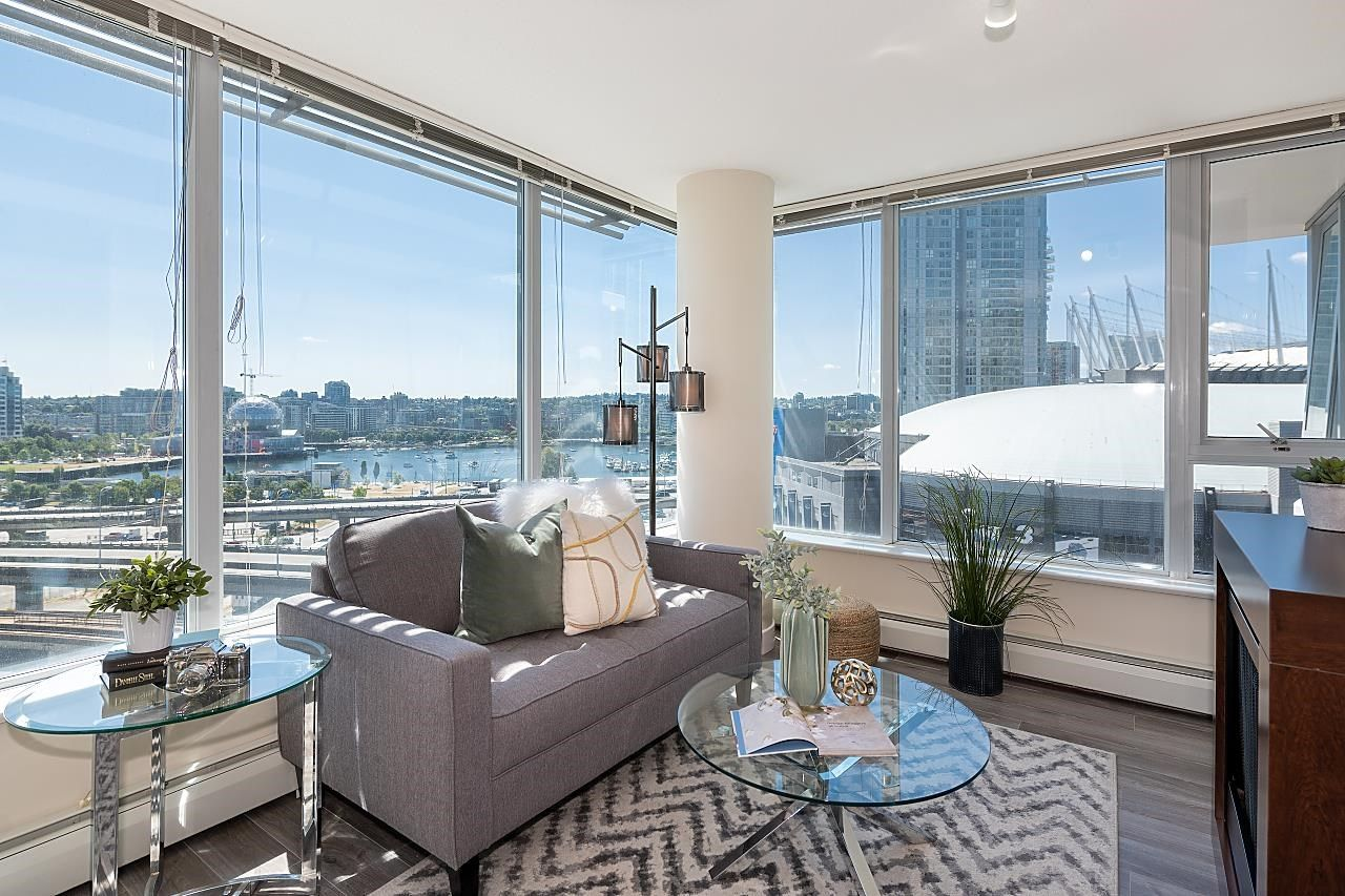 """Main Photo: 1502 688 ABBOTT Street in Vancouver: Downtown VW Condo for sale in """"Firenza Tower II"""" (Vancouver West)  : MLS®# R2603600"""
