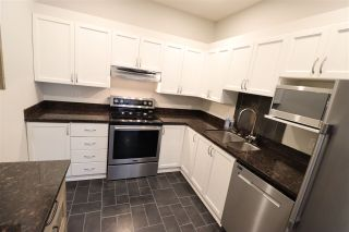 """Photo 17: 426 1150 QUAYSIDE Drive in New Westminster: Quay Condo for sale in """"WESTPORT"""" : MLS®# R2464608"""