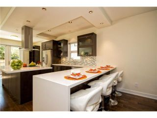 Photo 2: 1075 CANYON Boulevard in North Vancouver: Canyon Heights NV House for sale : MLS®# V1004304