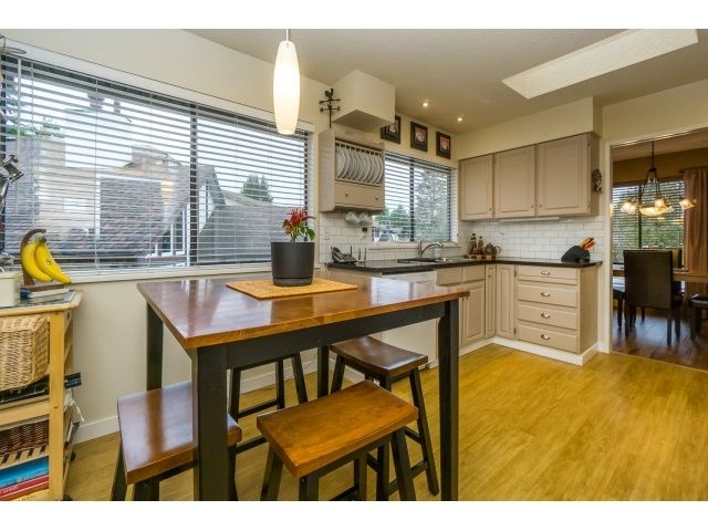 Photo 11: Photos: 5926 183 Street in Surrey: Cloverdale BC House for sale : MLS®# R2028252