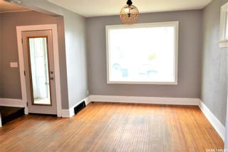 Photo 2: 204 f Avenue South in Saskatoon: Riversdale Residential for sale : MLS®# SK858848