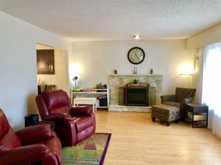 Photo 2: 7580 WATERTON Drive in Richmond: Broadmoor House for sale : MLS®# R2403853