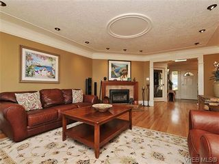 Photo 5: 858 Seamist Crt in VICTORIA: SE Cordova Bay House for sale (Saanich East)  : MLS®# 638215