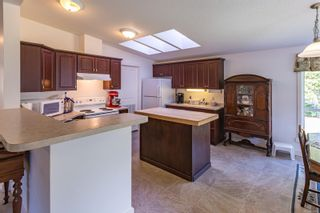 Photo 2: 4734 Wimbledon Rd in : CR Campbell River South Manufactured Home for sale (Campbell River)  : MLS®# 869491
