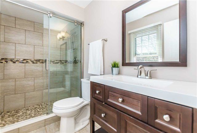 Photo 10: Photos: 48 1610 E Crawforth Street in Whitby: Blue Grass Meadows Condo for sale : MLS®# E4125009