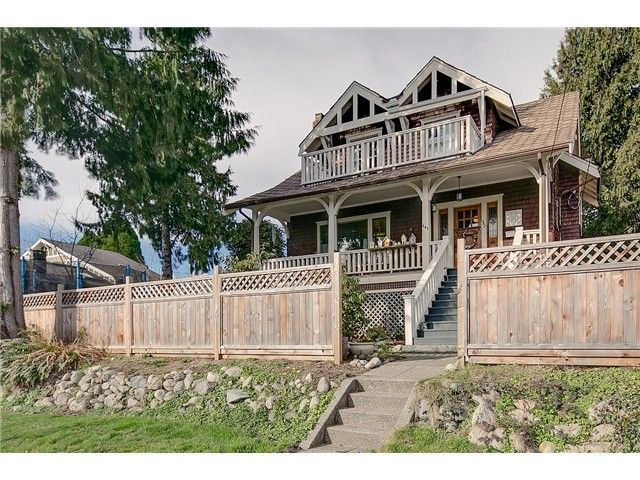 FEATURED LISTING: 442 KEITH Road East North Vancouver