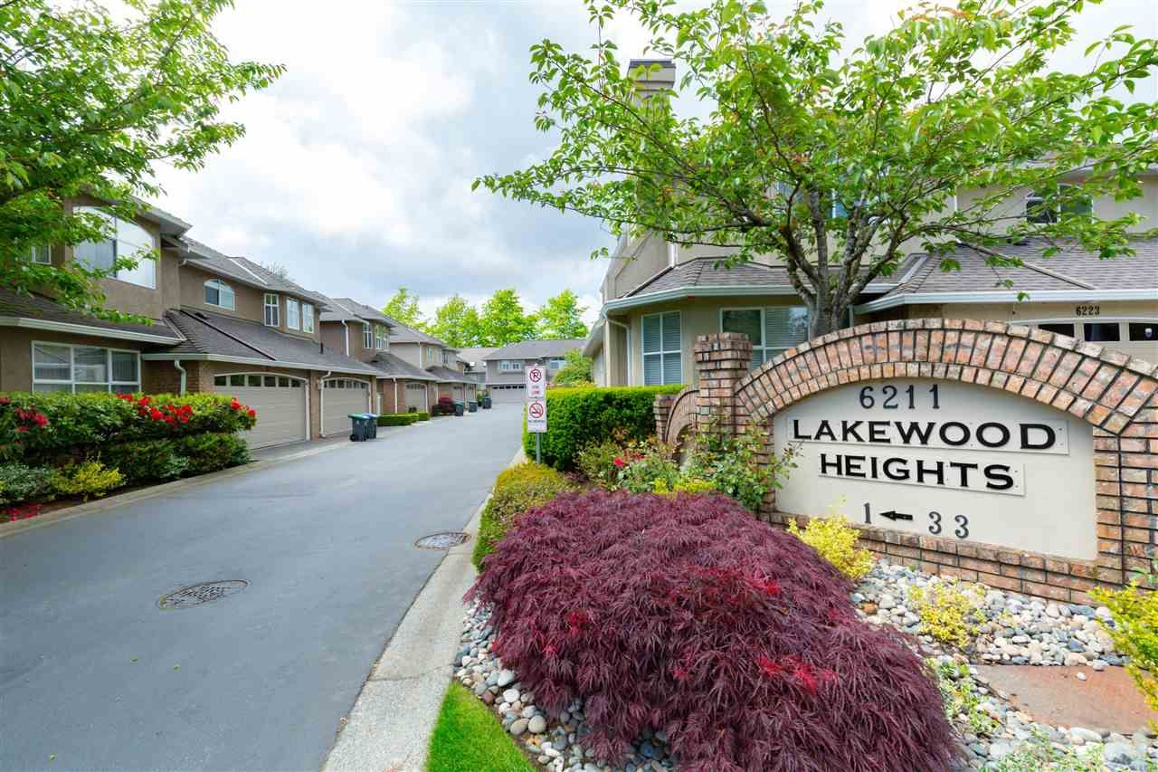 """Main Photo: 26 6211 W BOUNDARY Drive in Surrey: Panorama Ridge Townhouse for sale in """"LAKEWOOD HEIGHTS, BOUNDARY PARK"""" : MLS®# R2584830"""