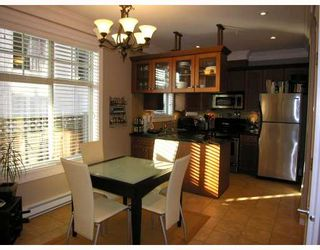 Photo 3: 253 E 13TH Avenue in Vancouver: Mount Pleasant VE Townhouse for sale (Vancouver East)  : MLS®# V676746