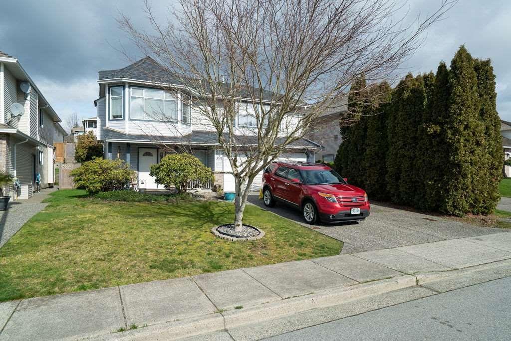 "Main Photo: 3311 HYDE PARK Place in Coquitlam: Park Ridge Estates House for sale in ""PARK RIDGE ESTATES"" : MLS®# R2473200"