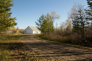 Photo 2: 62121 HWY 12 Road E in Anola: House for sale : MLS®# 202124908